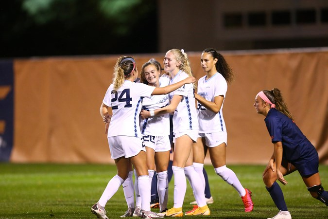 UNC Women's Soccer Shuts Out Syracuse, 2-0