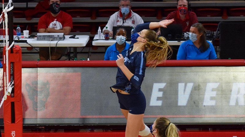 UNC Volleyball Beats NC State In Straight Sets