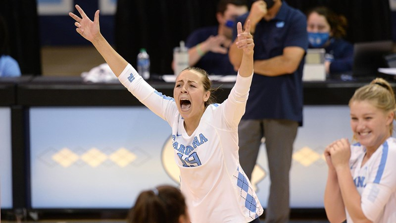 UNC Volleyball Improves To 10-0 With Sweep Of Charlotte